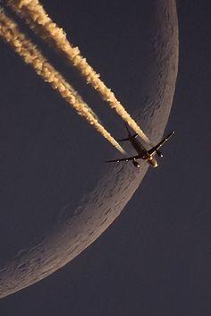 LH A320 vs Moon