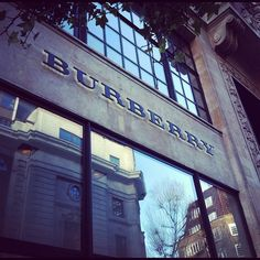 Sunny morning at Burberry, Horseferry House in #London 5°C | 41°F #BurberryWeather