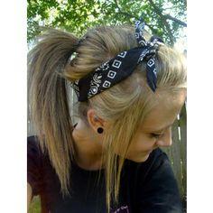 I luv this bandana hairstyle!