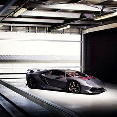 The Amazing Lamborghini Veneno! just looking Fantastic!