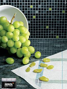 Carta assorbente che tasforma l'uva in uvetta! #guerrillamarketing #unconventional marketing