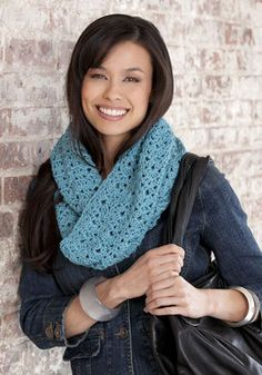 Knitted Bellflower infinity scarf pattern.