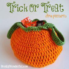 Halloween bag, found on : http://wonkywonderful.com/1/post/2012/10/trick-or-treat-bag-free-crochet-pattern.html