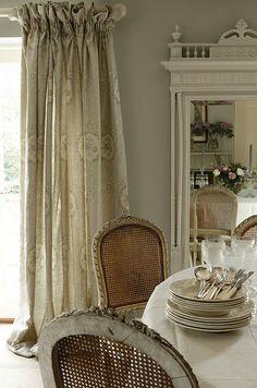 .love the drapes
