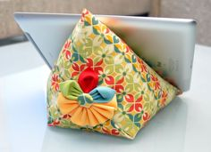 DIY iPad stand tutorial- This could be great in a bright chevron pattern or a fun fabric.