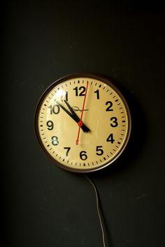 Vintage Ingraham School Clock.