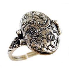 Locket ring. : ) i want it!!