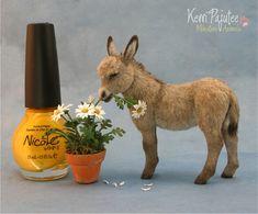 dollhous, burro sculptur, miniatur burro