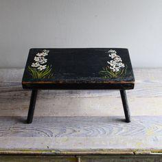 ethanollie - vintage hand-painted stool