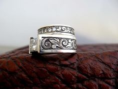 Custom made western wedding rings by Travis Stringer. Contact us on FaceBook. (Ring #94)