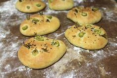 Focaccia de aceitunas y romero - El Aderezo - Blog de Recetas de Cocina