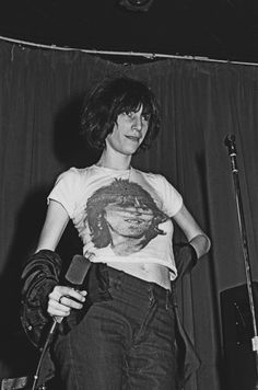 Patti Smithon stage at the Whisky A Go Go, November, 1974.S)
