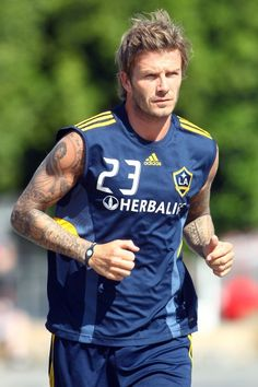 Hottie of the Day - Beckham is back!
