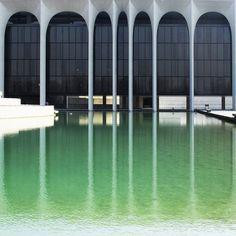 Oscar Niemeyer . mondadori palace