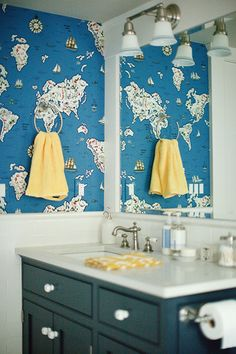 Nautical bathroom via design sponge.