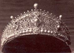 """The """"lost tiara"""" that Princess Alice wore to King Edward VII's wedding. This tiara is made by Köchert, called the """"Byzantine"""" diadem, with its harmonious juxtapositions of diamonds and pearls, was judged impeccable and won for Köchert the first prize for jewelery at the World Exhibition."""