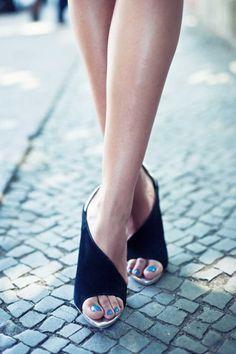 fashion shoes, nail polish, girl fashion, black shoes, black heels, sandal, fashion fall, girls shoes, blue nails