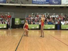 Some awesome partner tricks Junior Pair Baton Twirling French