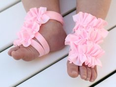 I need to learn how to make these!!!!  Toe Blooms...so stinkin cute!