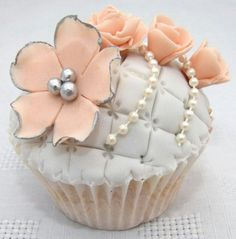 Cupcakes pearl cupcak, mini peach cupcakes, cupcak coutur, white cupcak, vintag peach, eleg cupcak, fondant cupcakes