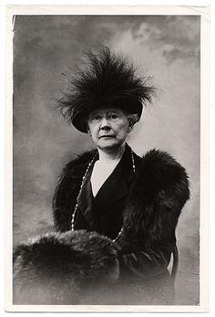 Citation: Mary Cassatt, 1914 / unidentified photographer. Frederick A. Sweet research material on Mary Cassatt and James A. McNeill Whistler...