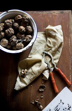 I <3 walnuts. #photography #food #styling