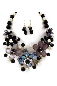 Gloria Necklace in Blue Mother of Pearl