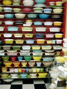 Vintage Pyrex Dishes - swoon!