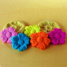2 - 23mm Daisy Molds C222M Flexible silicone Flower for Resin - Polymer clay - Wax - FOOD Safe - Fondant - Chocolate - Candy melts