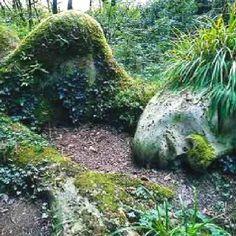 Grass - statue - woman.