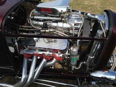 1932 Ford Hi-Boy Roadster  Engine