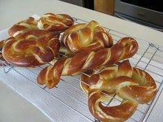 Auntie Anne's Pretzel Clone GF recipe MUST try!!  I NEED a kitchenaide