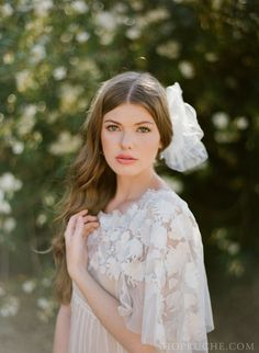 hand, lace, accessori, brides, the dress, bridal hair, the bride, flowers, hair combs