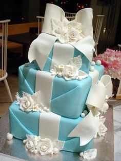 Tiffany Blue boxes - wedding cake! For my great friend Val!!!