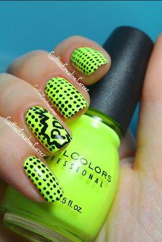 Neon POW! #nailart