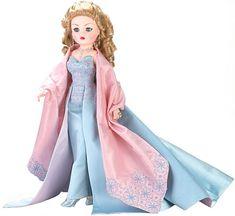 Madame Alexander Dolls - In Her Honor Cissy - by Matilda Dolls