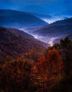 Early Morning / Highland Scenic Highway View / Hillsboro, West Virginia, US