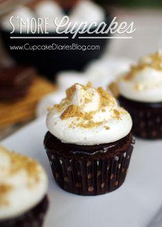 Smore Cupcakes from CupcakeDiariesBlog.com #smorecupcakes smore cupcak