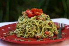 5 Minute Basil Pesto Raw Zucchini Pasta #raw #vegan