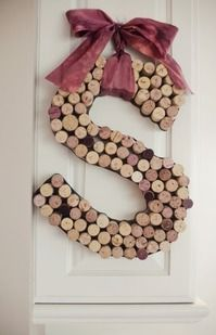 Cool! @Barbara Acosta Buckley-Peeples @Annette Howard Leblanc 12 must-see wine cork crafts | #BabyCenterBlog