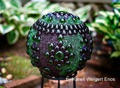Gallery of Garden Ball Ideas and free instructions. This one is by artist Karen Weigert Enos
