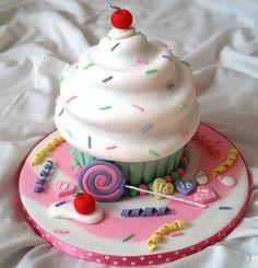 'Sweet' 16 Giant Cupcake Cake