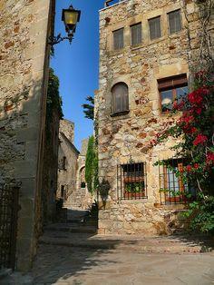 Pals street Girona