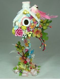 Altered Shabby Chic bird house - oohh, this is so pretty! I just love it!