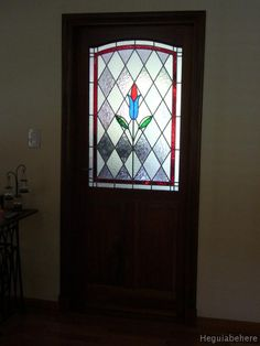 puerta  vitral casa tur2 puerta con vitraux tulipan.-  #vitraux  #vidrio   #glass-art  #vetrata-decorata