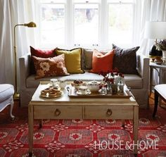 Love this fall-inspired living room! #Fall #Inspiration #Colors