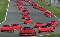 1987-Ferrari-F40-supercars-on-track-at-Silverstone-Classic.jpg (1500×938)