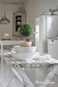 kitchen tables, rustic kitchens, topiari, farmhouse kitchens, white kitchens