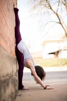 Standing Split via happyjobs: Amazing! #Yoga #Standing_Split