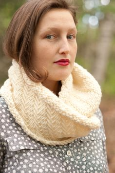 elsa cowl by carrie bostick hoge / quince and co puffin